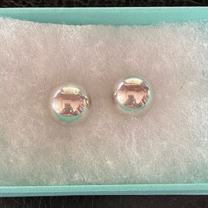 Tiffany larger size 10mm studs